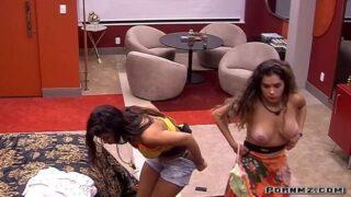 Big Brother Brasil – Gizelly Bicalho Topless